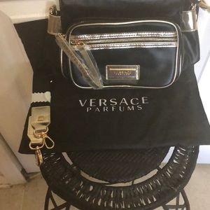 NWOT VERSACE PARFUMS PU CROSSBODY BLACK & GOLD